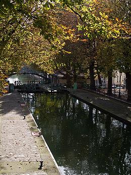 260px-Canal_Saint-Martin